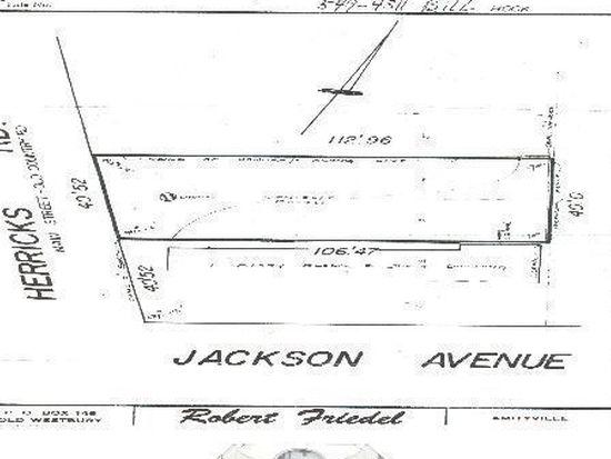224 Herricks Rd, Mineola, NY 11501