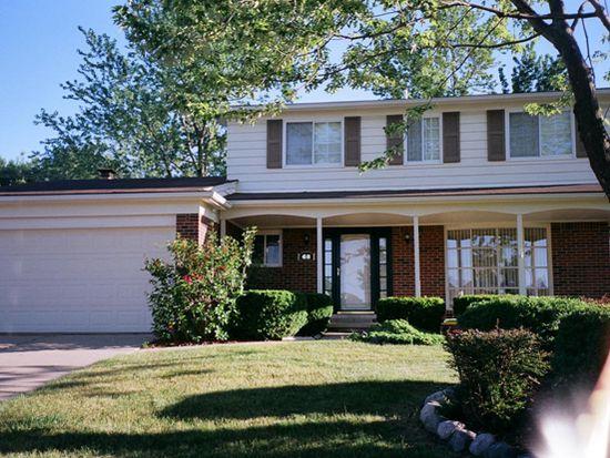 68 Foxboro Dr, Rochester Hills, MI 48309
