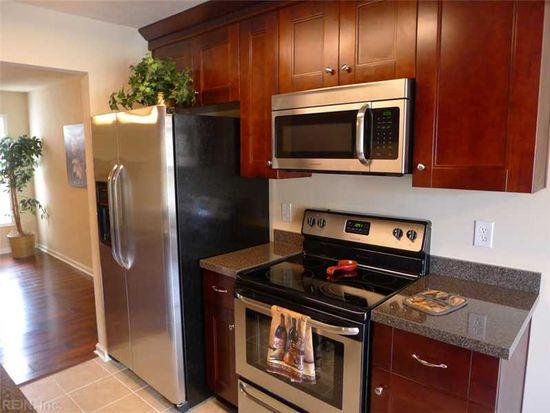 817 Sommerville Cres, Chesapeake, VA 23320