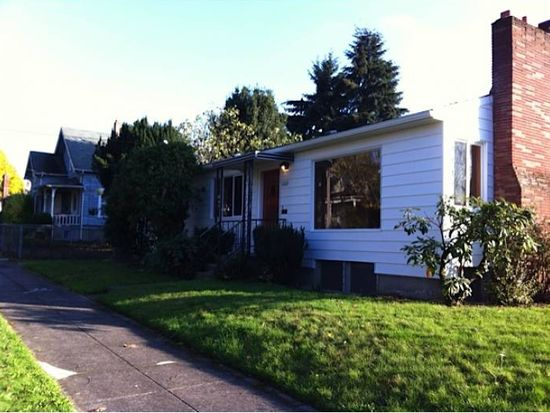 2206 SE Taggart St, Portland, OR 97202