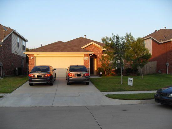 2868 Fieldstone Dr, Grand Prairie, TX 75052