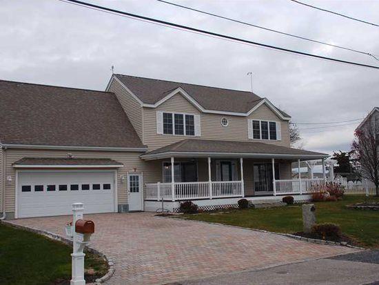 51 Basin Rd, Narragansett, RI 02882