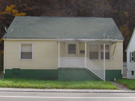 922 Stewart St, Welch, WV 24801