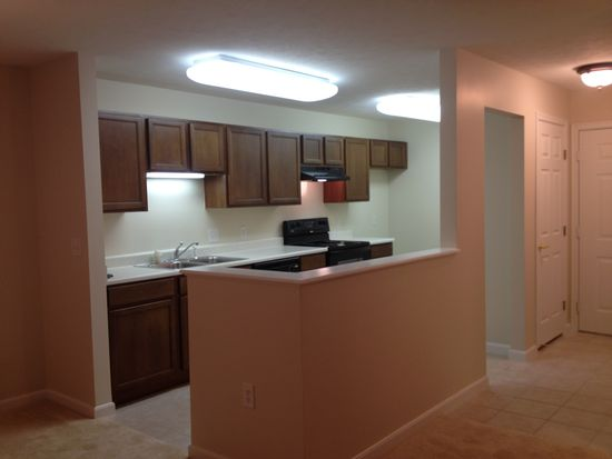 9804 Legends Creek Dr APT 104, Indianapolis, IN 46229