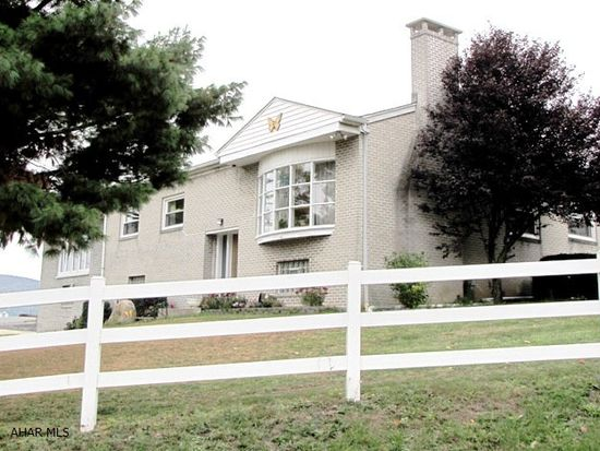 101 Pine Ave, Altoona, PA 16601