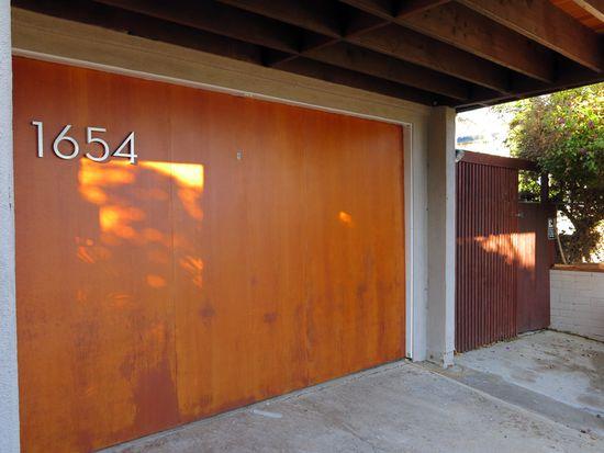 1654 Monmouth Dr, San Diego, CA 92109