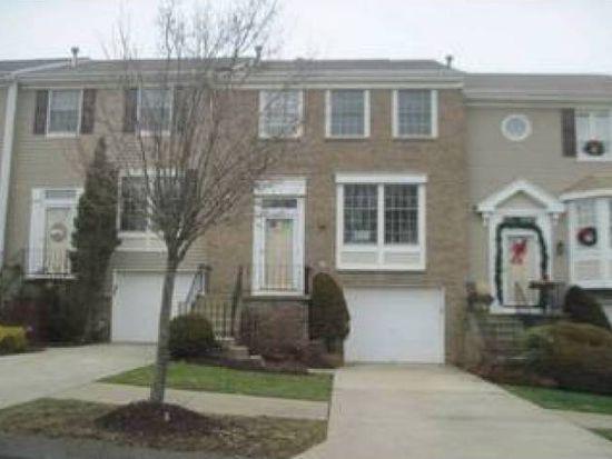 426 Parkridge Ln, Moon Township, PA 15108