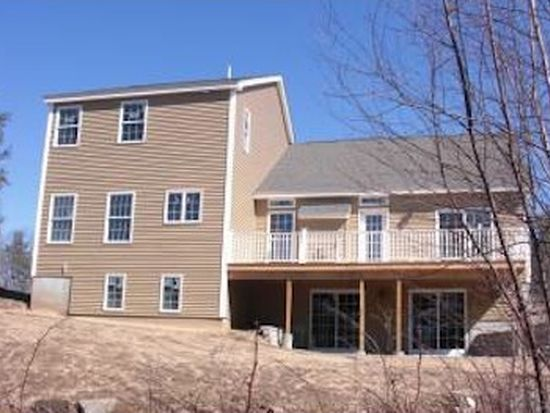 123 Boxwood Ln, Dover, NH 03820