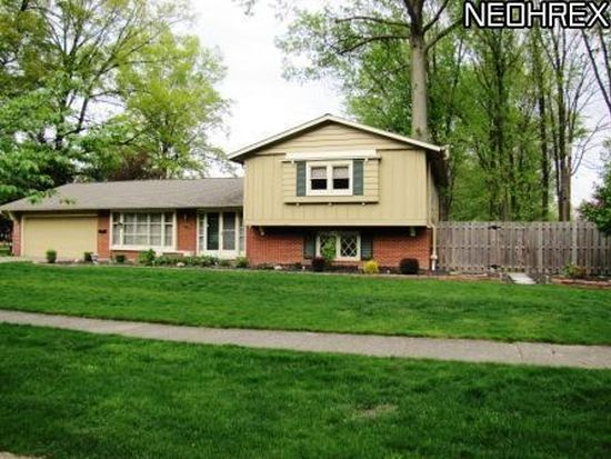 6649 Cypress Dr, North Olmsted, OH 44070