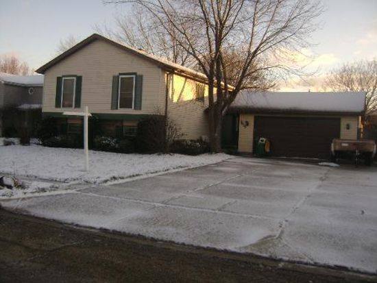 3615 W Drake Ct, Mchenry, IL 60050