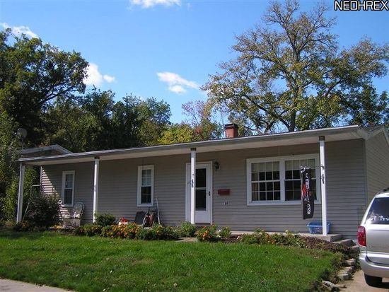 1124 Middlecoff Dr, Akron, OH 44313