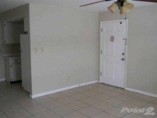619 Sally Ln APT 6, Clearwater, FL 33756