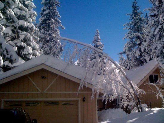 1681 Crystal Air Dr, South Lake Tahoe, CA 96150