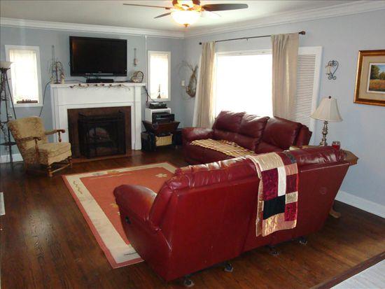 407 Fairview Dr, Charleston, WV 25302