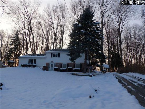 8044 Rolling Brook Rd, Northfield, OH 44067