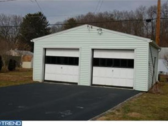 2245 Lincoln Ave, West Lawn, PA 19609