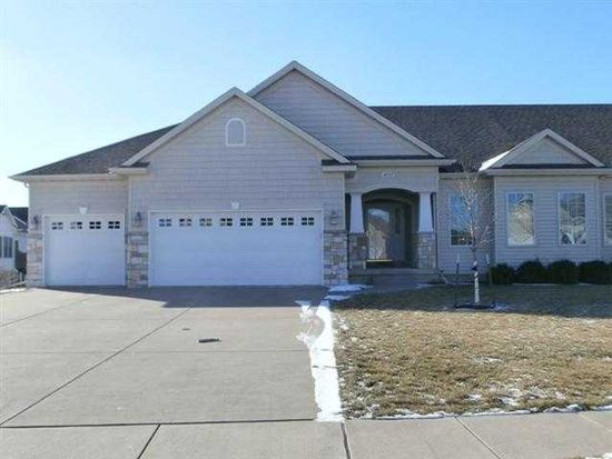 4037 Charles Ct, Bettendorf, IA 52722