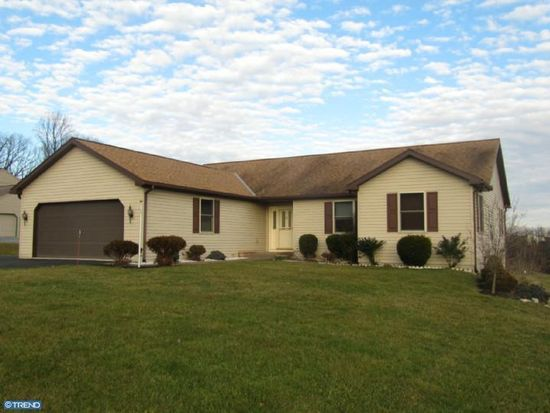 105 Teen Challenge Rd, Womelsdorf, PA 19567