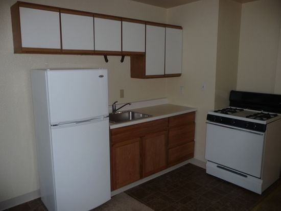 1810 E 25th St APT 104, Oakland, CA 94606