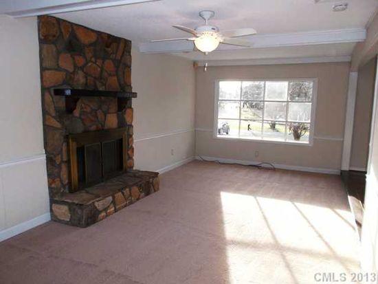8406 Vagabond Rd, Charlotte, NC 28227
