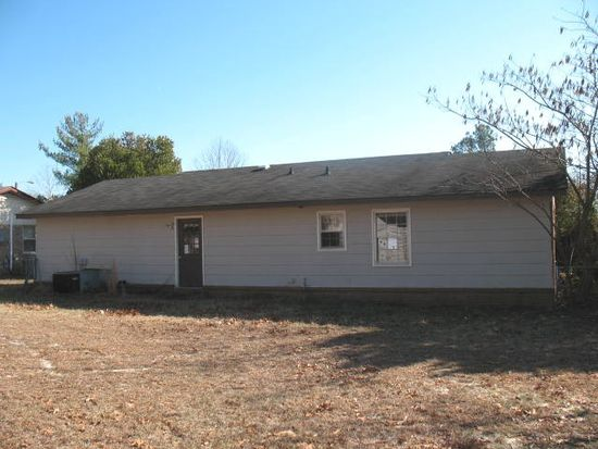 3734 Colonial Cv, Hope Mills, NC 28348
