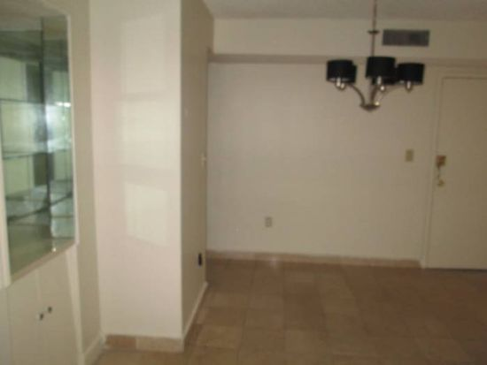 4719 NW 7th St APT 303, Miami, FL 33126