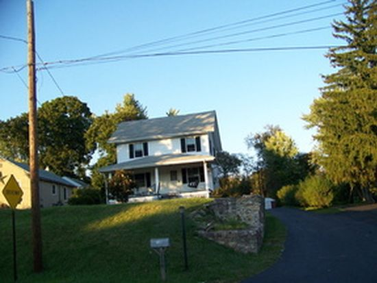 139 E Pothouse Rd, Phoenixville, PA 19460