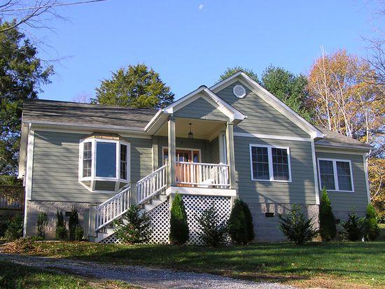 2 Hamric St, Lexington, VA 24450