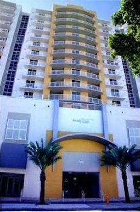 900 SW 8th St APT 1005, Miami, FL 33130
