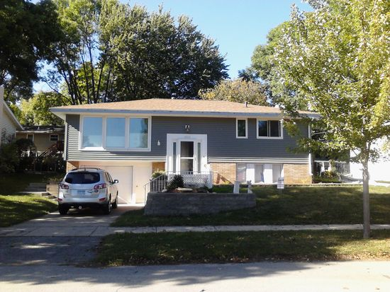 1325 29th St NW, Rochester, MN 55901