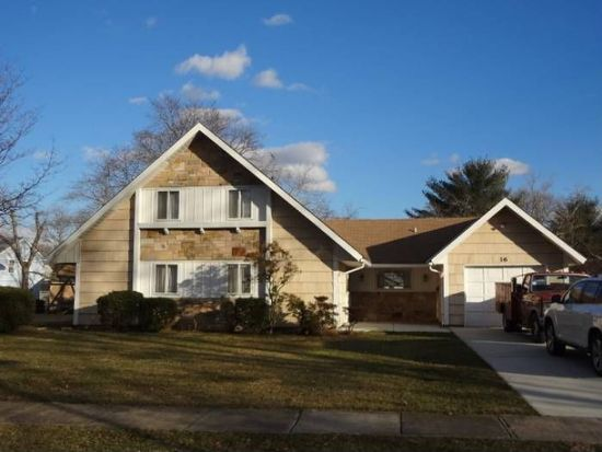 16 Griffin Ln, Willingboro, NJ 08046