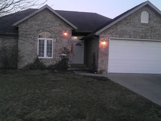 8260 Crimson Ct, Terre Haute, IN 47802