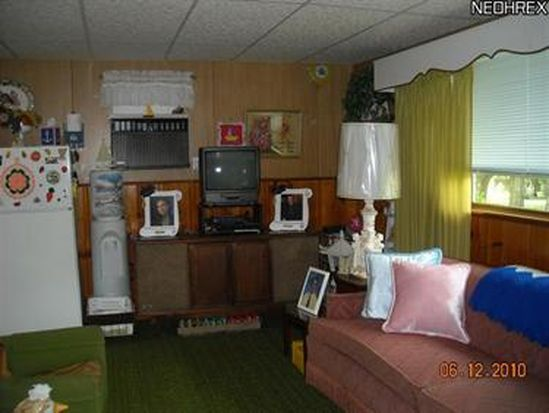 7787 Lakewood Dr, Williamsfield, OH 44093