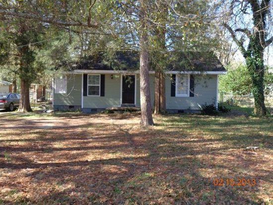 217 Rowland Dr, Moultrie, GA 31768