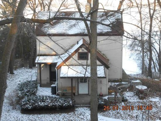 3816 Pitzen Rd, Johnsburg, IL 60051