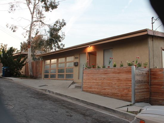 3920 W Point Dr, Los Angeles, CA 90065