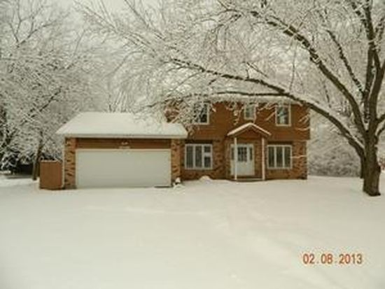 6706 Meadow Dr, Crystal Lake, IL 60012