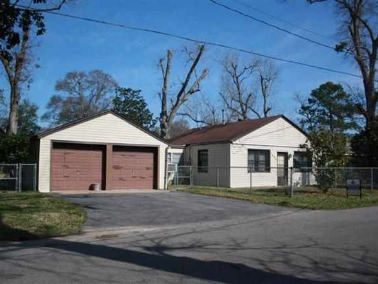 2808 Hogg St, West Orange, TX 77630