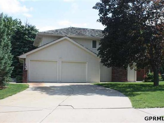 909 W Perry St, Papillion, NE 68046