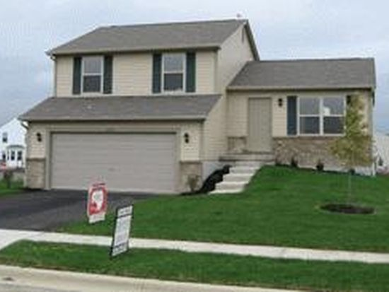 443 Shadow Run Dr, Groveport, OH 43125