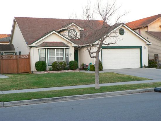 1139 Cape Cod Way, Salinas, CA 93906