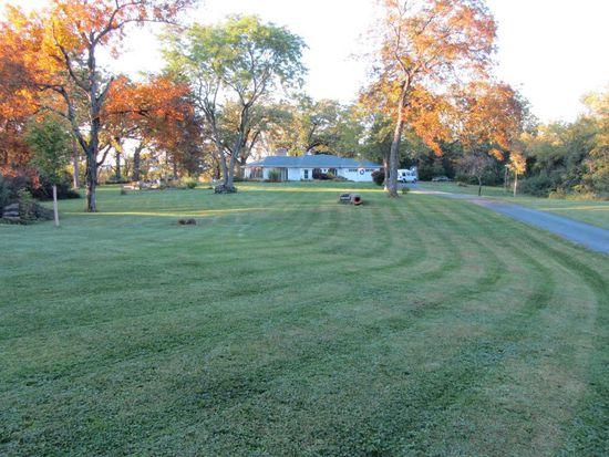27700 W Flynn Creek Dr, Barrington, IL 60010