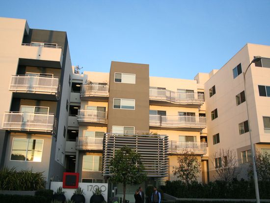 1700 Sawtelle Blvd APT 305, Los Angeles, CA 90025