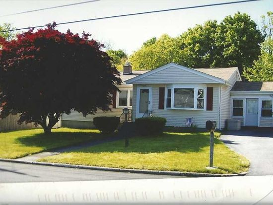 54 Rotary Dr, Johnston, RI 02919