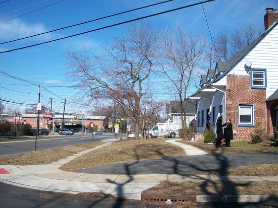 755 River Rd, Teaneck, NJ 07666