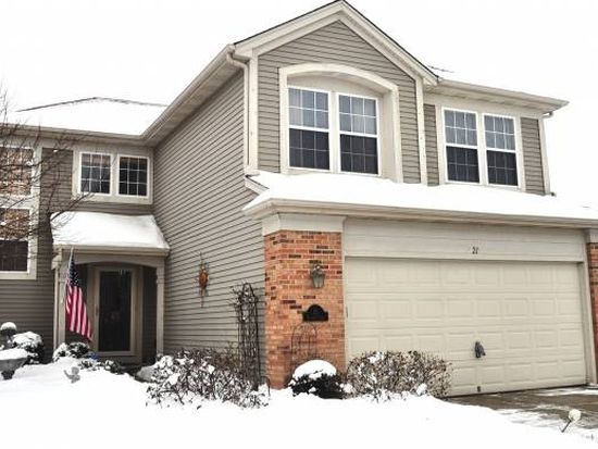 21 Village Ct, South Elgin, IL 60177