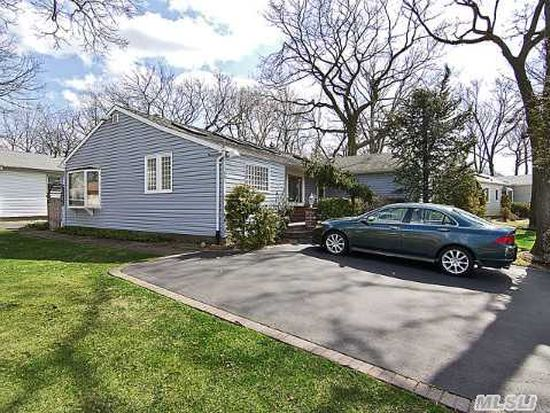 1261 Meadowbrook Rd, Merrick, NY 11566