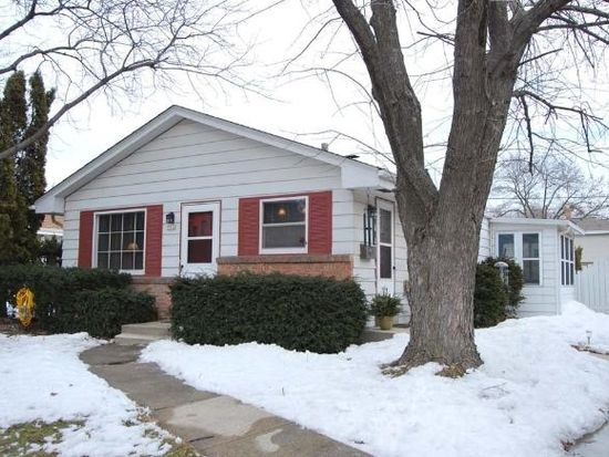 5510 N Iroquois Ave, Glendale, WI 53217