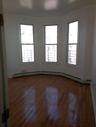 91 Cornelia St, Brooklyn, NY 11221
