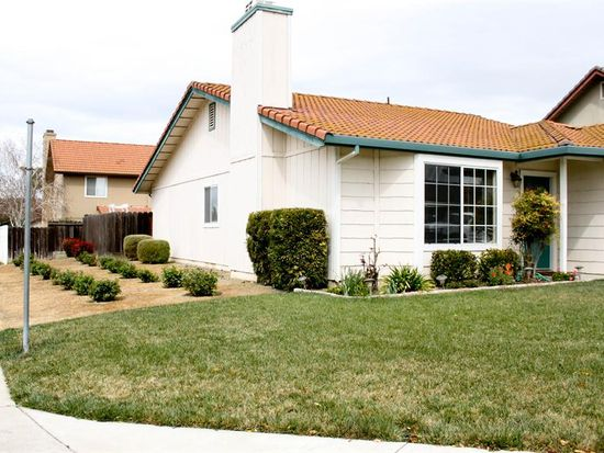 1250 South St, Hollister, CA 95023
